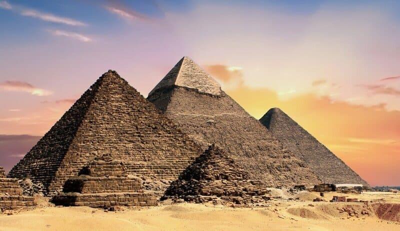 was ist astrosophie genau definition pyramide bild